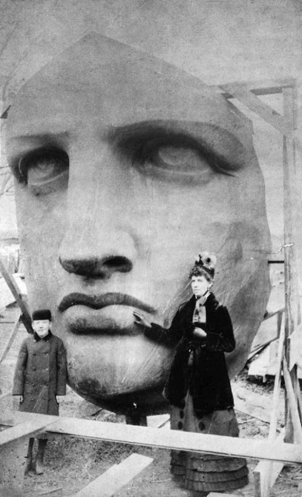 Unpacking the head of the Statue of Liberty, 1885